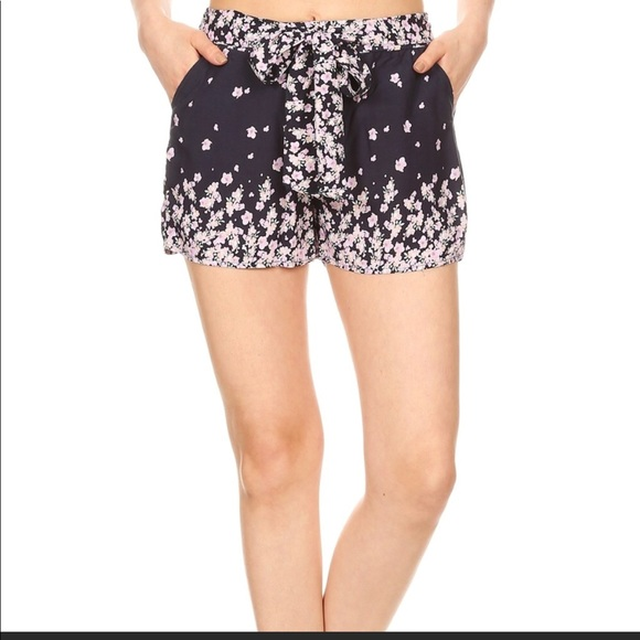 Pants - ⚡️⚡️ NEW ARRIVAL ⚡️Relaxed fit Floral Print Shorts